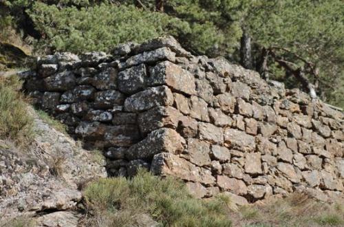 mur en pierre sèche.JPG